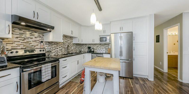 11 2352 PITT RIVER ROAD kitchen